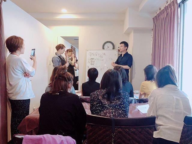先日、新宿店で中国のエステオーナーの方々にポレーション研修を行いました。 ご参加ありがとうございました🏻♀️
